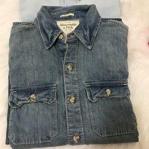 A&F men's shirt size M